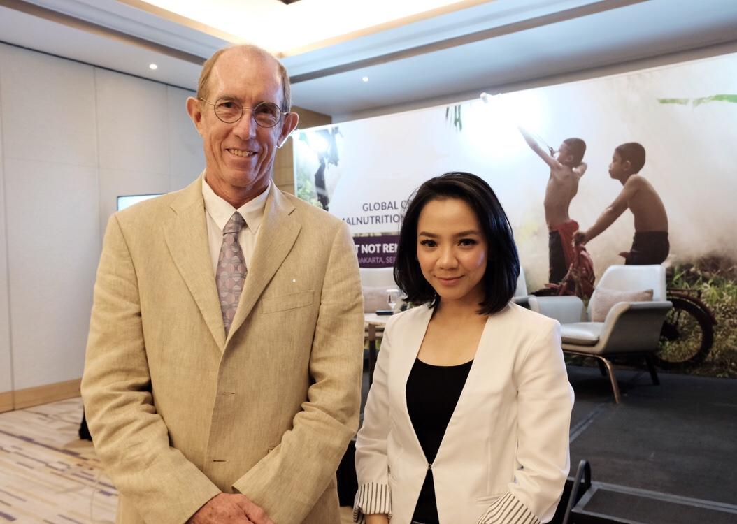 bersama prof. Andrew prentice